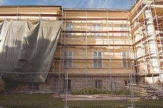 Slovenské národné múzeum (SNM) rekonštruuje svoj kaštieľ v Dolnej Krupej pri Trnave, ktorý je súčasťou Hudobného múzea.