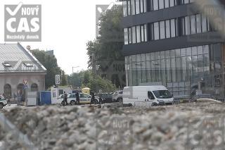 Pri autobusovej stanici našli bombu.