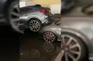 Záplavy v Nemecku: Takto dopadli nové modely Audi priamo v predajni