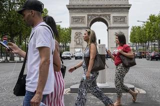 Štvrtá vlna koronavírusu by vo Francúzsku mohla nastať už koncom júla.