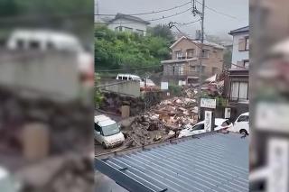Záplavy v Číne: Vodič unikol prívalovej vlne len tak-tak!