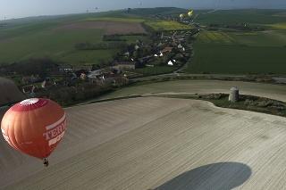 Muž v teplovzdušnom balón objavil nelegálnu plantáž (ilustračné foto).