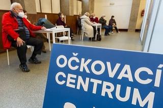 Očkovanie v Česku napreduje.