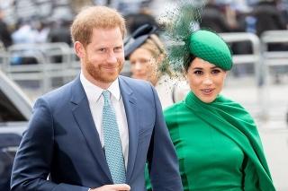 Harry a Meghan: Dvojica sa kráľovských povinností vzdala minulý rok.