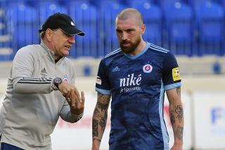 Na snímke vľavo tréner Vladimír Weiss st. (ŠK Slovan Bratislava), vpravo Guram Kashia (ŠK Slovan Bratislava).