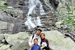 Rodinka spoznáva krásy rodnej krajiny