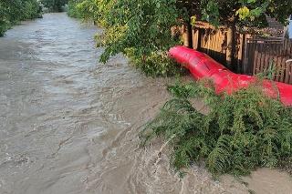 Voda narobila škody aj v obci Košeca.