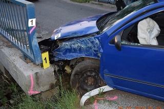 Pri nehode v Kluknave utrpelo zranenia päť osôb, medzi nimi aj dieťa.