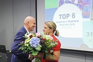 Fantastický výkon Zuzany Rehák-Štefečkovej (37) nenechal chladným žiadneho športového fanúšika. Silné emócie lomcovali aj šéfom olympionikov Antonom Siekelom.
