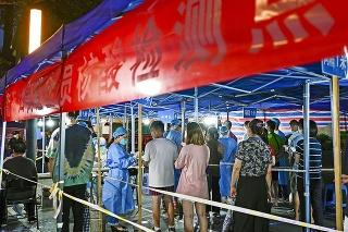 V Nankingu otestujú 9,3 milióna ľudí.