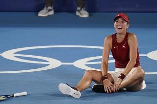 Švajčiarska tenistka so slovenskými koreňmi Belinda Benčičová získala zlato po výhre vo finále ženskej dvojhry nad Češkou Markétou Vondroušovou na OH2020 v Tokiu.