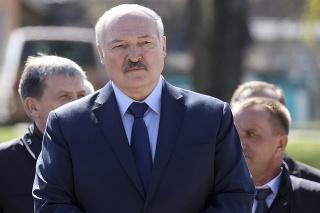 Alexander Lukašenko vyslal stíhačku k lietadlu so 170 pasažiermi a tvrdil, že je tam bomba.