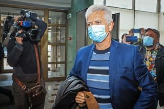 Oligarcha Brhel je hospitalizovaný od začiatku svojej väzby.