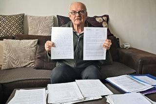 Obyvateľ paneláku Štefan Pacovský (67) hodnotí situáciu na súde za tragickú.