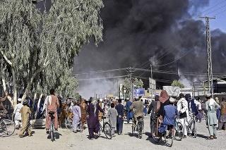 Len zopár miest sa Talibanu odmietlo vzdať bez boja.
