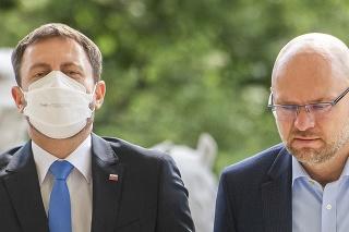 Premiér SR Eduard Heger (OĽaNO), podpredseda vlády a minister hospodárstva SR Richard Sulík (SaS)