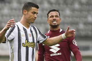 Cristiano Ronaldo (36) v drese Juventusu Turín prejavuje svoju frustráciu