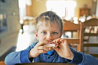Ak chcete zabezpečiť deťom lepšie zdravotné vyhliadky, neprekračujte maximálnu dennú dávku 50 g cukru.