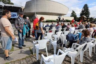 Na snímke účastníci počas centrálnych osláv 77. výročia Slovenského národného povstania (SNP) v areáli Pamätníka SNP v Banskej Bystrici v nedeľu 29. augusta 2021.