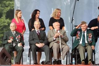 Vojnoví veteráni počas centrálnych osláv 77. výročia Slovenského národného povstania
