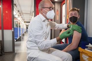 Očkovanie vo vlaku v Berlíne.