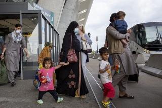 Seehofer odmieta kvóty na afganských utečencov, lebo hrozí