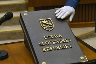 Základný dokument: Ústavu SR by si mal dôkladne prečítať každý občan.