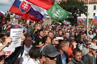 V Bratislave protestovali nespokojní Slováci.
