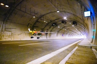 Pilot použil akrobatické lietadlo americkej výroby