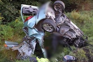 Po zrážke s kamiónom prišla o život 21-ročná vodička