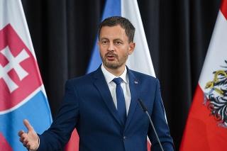 Predseda vlády SR Eduard Heger na stretnutí v Ledniciach.