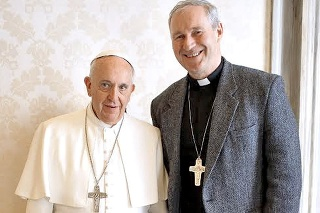 2015 - S pápežom Františkom potom, čo ho odvolali z Trnavskej diecézy.