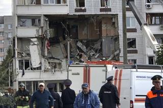 Výbuch plynu v bytovke si vyžiadal dvoch mŕtvych.