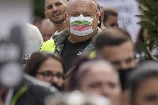 Bulharsko, ktoré má najmenej zaočkovaných občanov, čelí preťaženiu zdravotníctva.