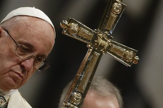 Pápež slúžil omšu na Troch kráľov.