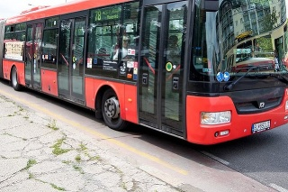 Autobus v