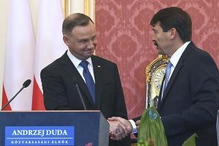 Poľský prezident Andrzej Duda a maďarský prezident János Áder.