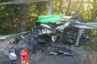 Pri zrážke dvoch áut sa zranili dvaja ľudia.