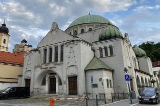 Trenčianska synagóga patrí medzi ikonické stavby na území Slovenska.