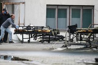 Zábery vyhoretej provizórnej nemocnice v Tetove.