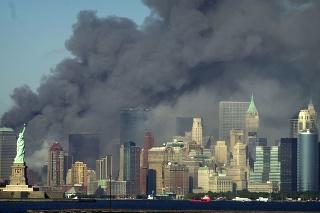 Celkovo pri teroristických útokoch z 11. septembra 2001 zomrelo v USA takmer 3000 ľudí z 93 krajín sveta a zranenia utrpelo ďalších asi 6000 ľudí.