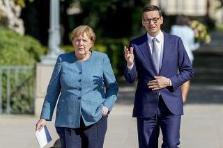 Nemecká kancelárka Angela Merkelová počas stretnutia s poľským premiérom Mateuszom Morawieckim.