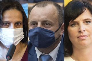 Čo si o zadržaní vyšetrovateľov myslia politici?