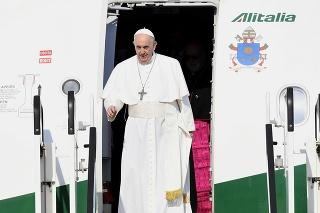 V nedeľu 12. septembra 2021 pricestoval na oficiálnu návštevu Slovenska pápež František.