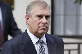 Britský princ Andrew má na krku obvinenia z obťažovania.