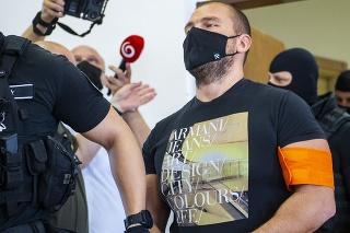 Na snímke svedok Matej Zeman počas hlavného pojednávania s obžalovaným bývalým špeciálnym prokurátorom Dušanom Kováčikom.