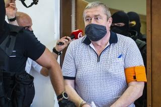 Na snímke obžalovaný bývalý špeciálny prokurátor Dušan K. počas hlavného pojednávanie na Špecializovanom trestnom súde (ŠTS) v Pezinku.