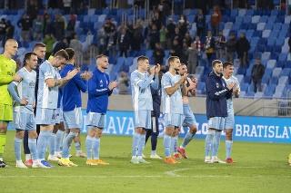 Slovan hrá
