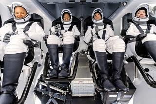 Tri dni strávia v kapsule, ktorá má rozmery väčšej dodávky.