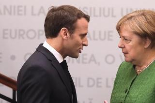 Emmanuel Macron a Angela Merkelová na neformálnom summite Európskej únie v rumunskom meste Sibiu